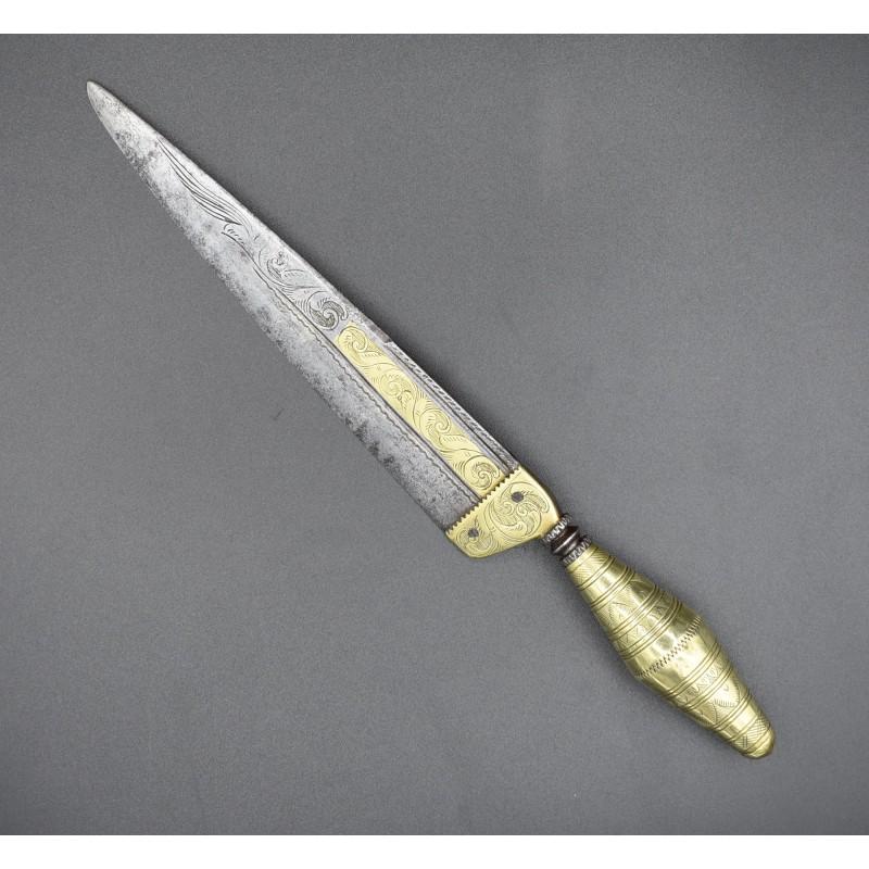 Cuchillo de faja Málaga decorado ondulante latón s.XVIII