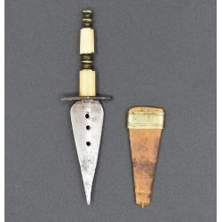 Puñal o Puntilla miniatura antiguo español siglo XIX