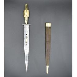 Puñal español antiguo siglo XIX con lengüeta y espejillos