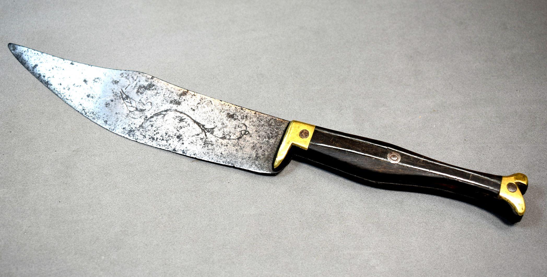 ejemplo cuchillo zapatito s. xix